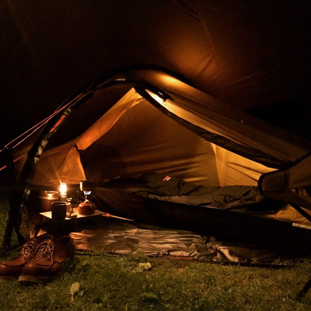 ヒルバーグ「アクト」でキャンプをしている様子