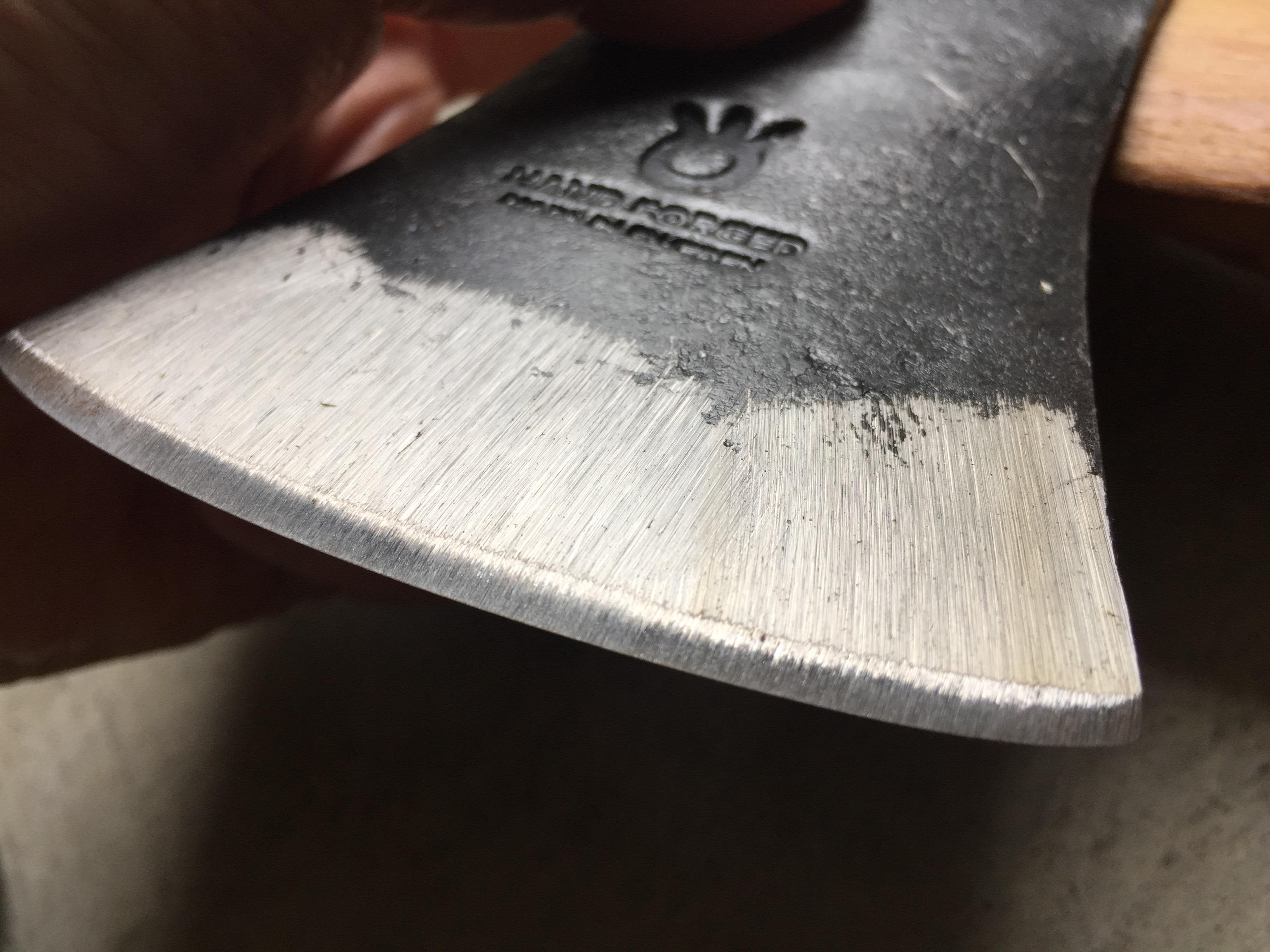 ハスクバーナの手斧(刃のアップ)