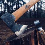 キャンプには「斧」が必要?おすすめの斧をまとめてみた。