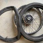 スーパーカブ(AA01)のパンク修理|後輪タイヤを交換する方法